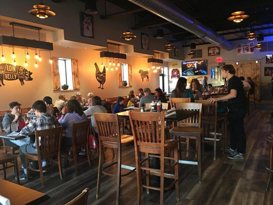 Ginopolis' Barbeque is a rustic-type restaurant complete with a bar and TV's with as many sports games running as possible. Located on West Main Street, Ginopolis offers a vast selection of food ranging from pesto pizzas to smoked beef briskets.