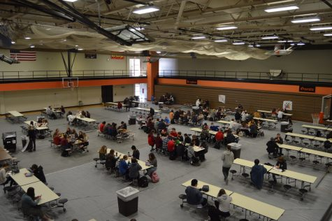 Freshmen and sophomores eat lunch in the aux gym to provide more space between tables. Juniors and seniors eat in the cafeteria. Additionally, BHS has four lunch periods, rather than the traditional three, in order to further space out students.